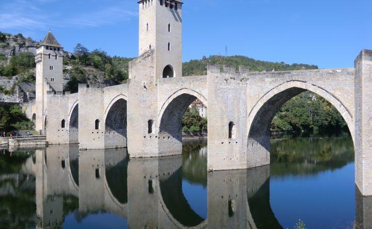Quel âge a la cathédrale de Cahors ? Image